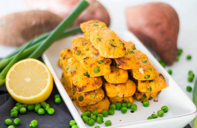 Süßkartoffel Lachsstäbchen mit Erbsen