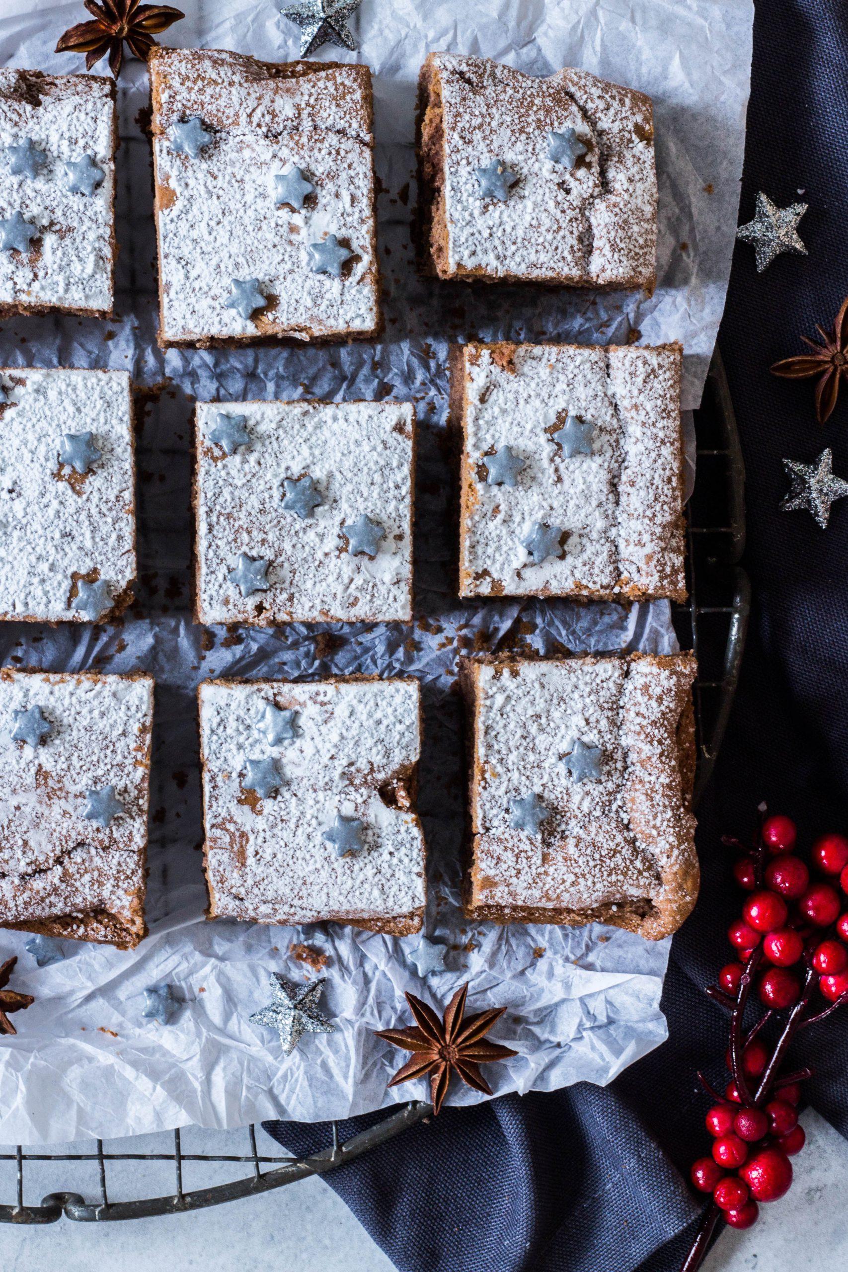 Zuckerfreie Lebkuchen Schnitten. Leckerer Kuchen für die Weihnachtszeit. Lieblingszwei.de
