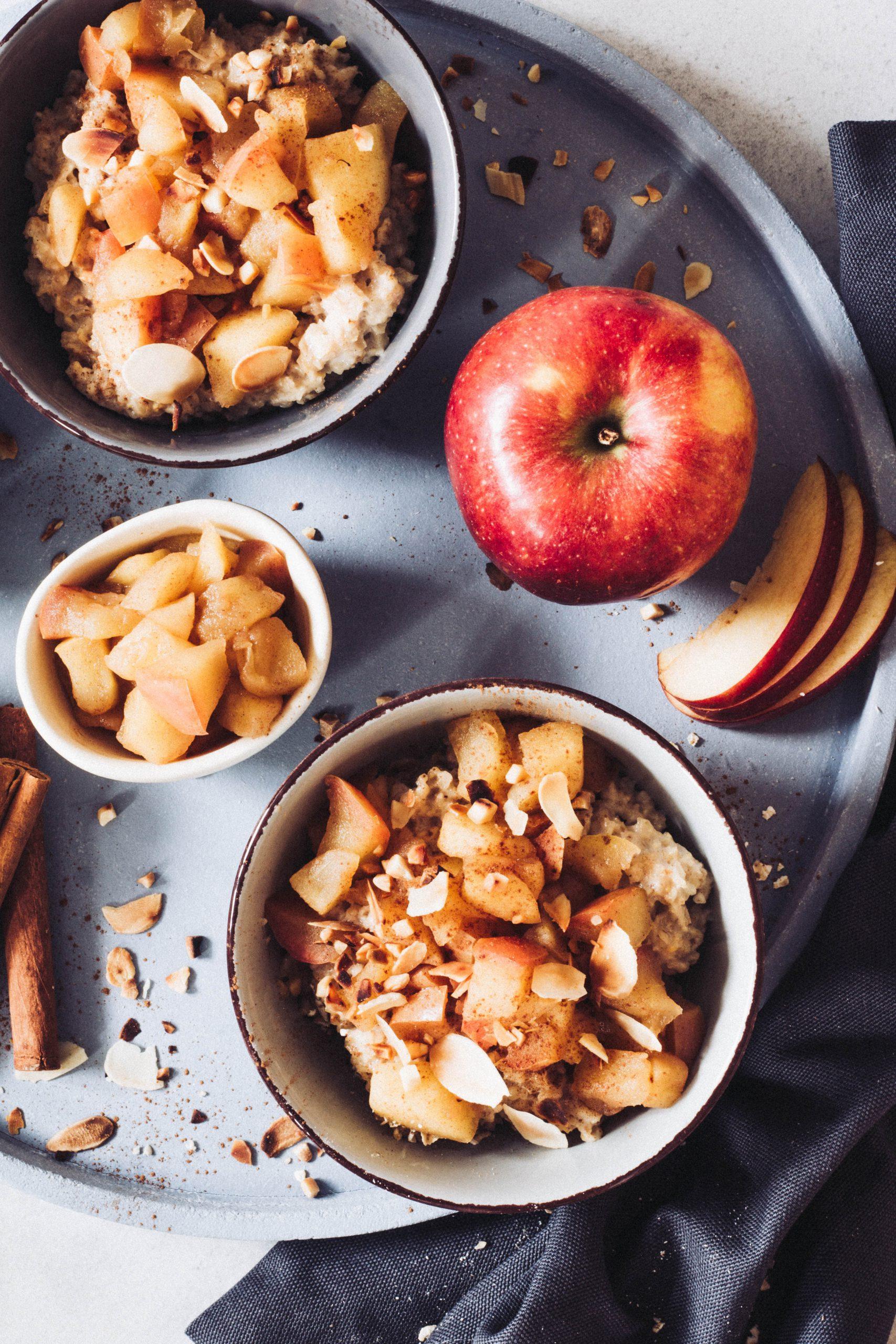 Gesundes Frühstück für Kinder und Erwachsene - Bratapfel Porridge. Lieblingszwei.de