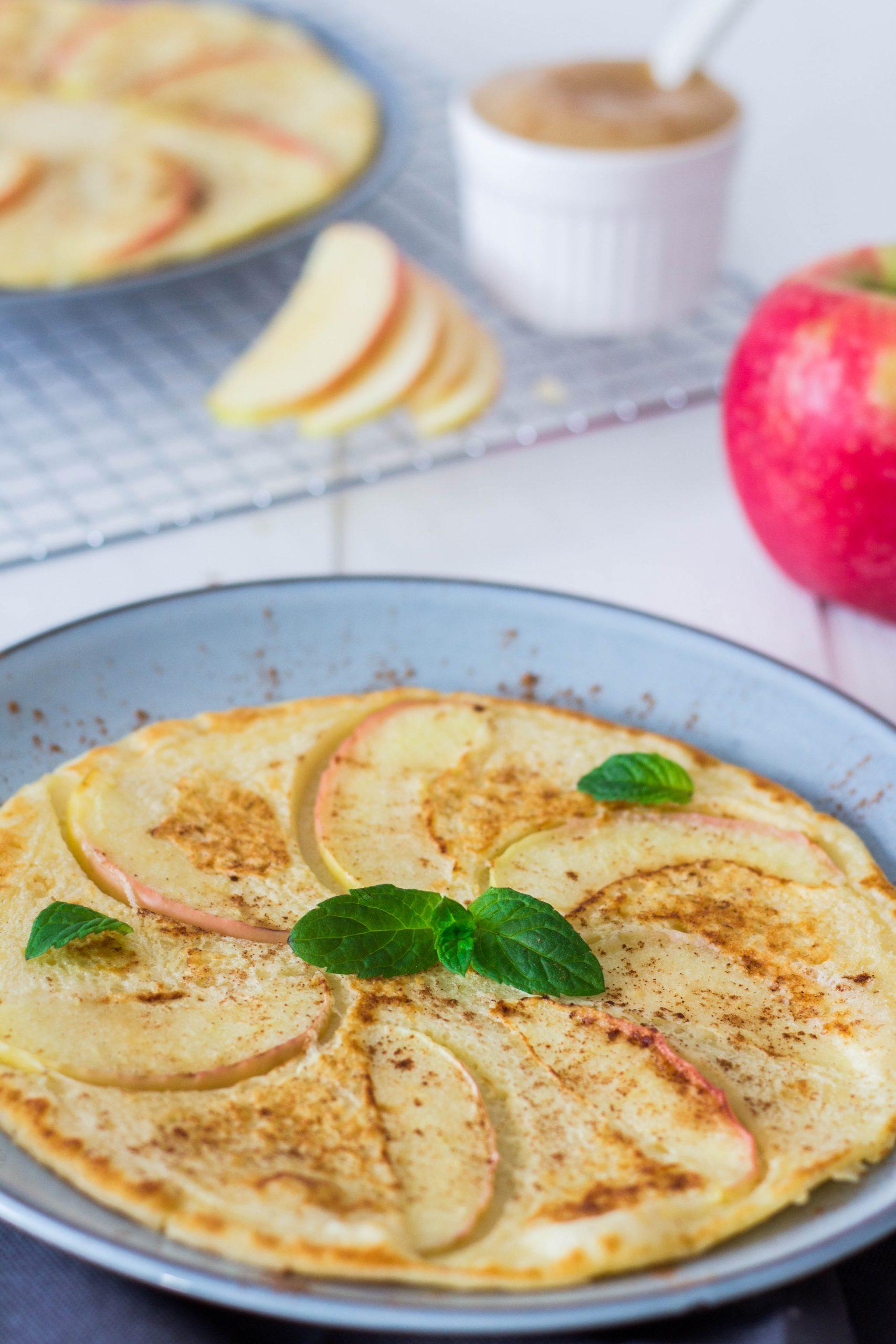 Apfelpfannkuchen ohne Zucker - leckeres Frühstück für die ganze Familie. Lieblingszwei.de
