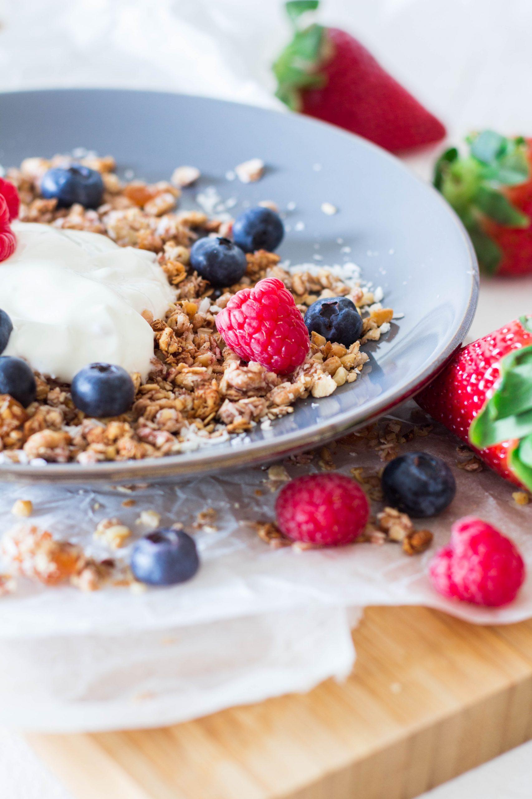 Fruchtiges Knuspermüsli - gesundes Frühstück für die ganze Familie - Lieblingszwei.de