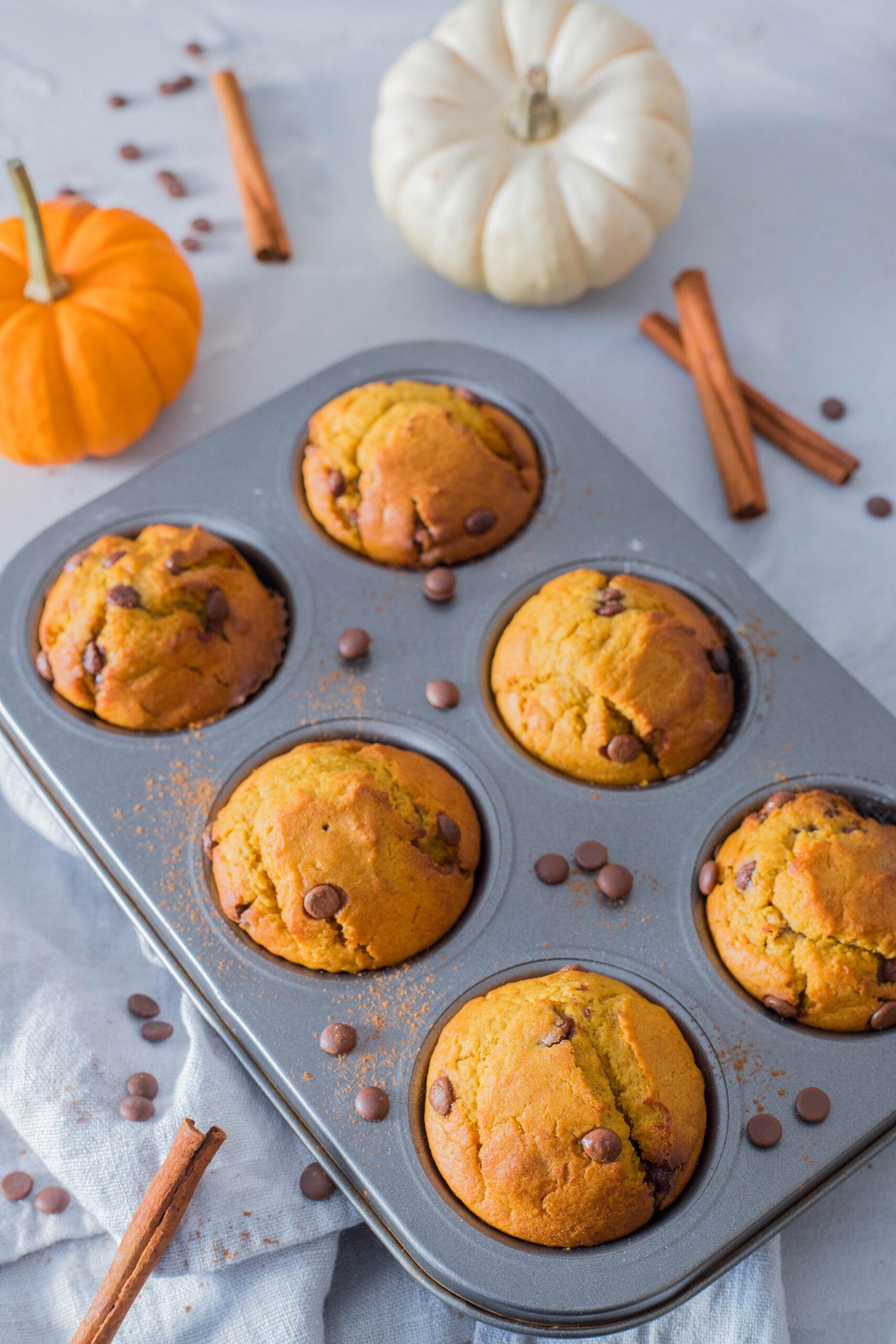 Leckere Idee für die Brotdose: Süße Kürbismuffins mit Zimt.
