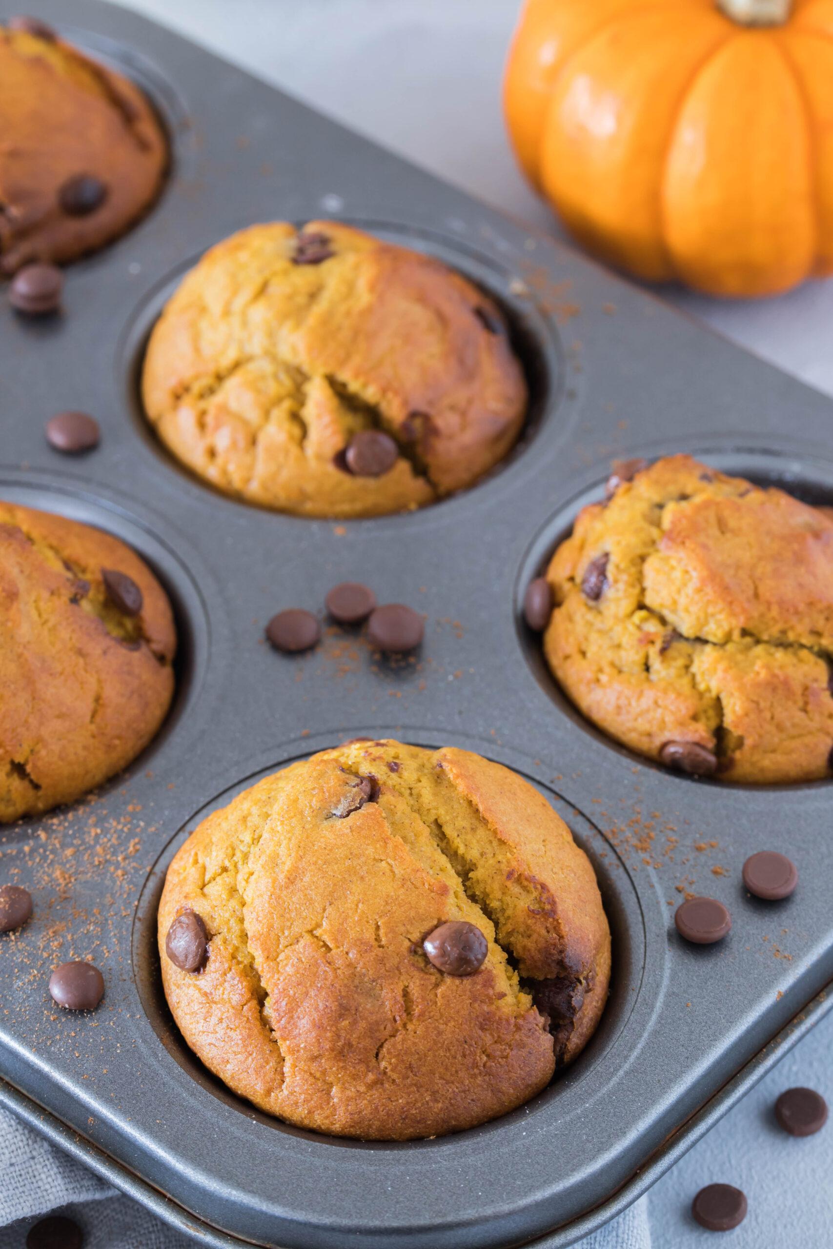 Leckere, süße Muffins mit Kürbis - einfach, schnell und lecker.