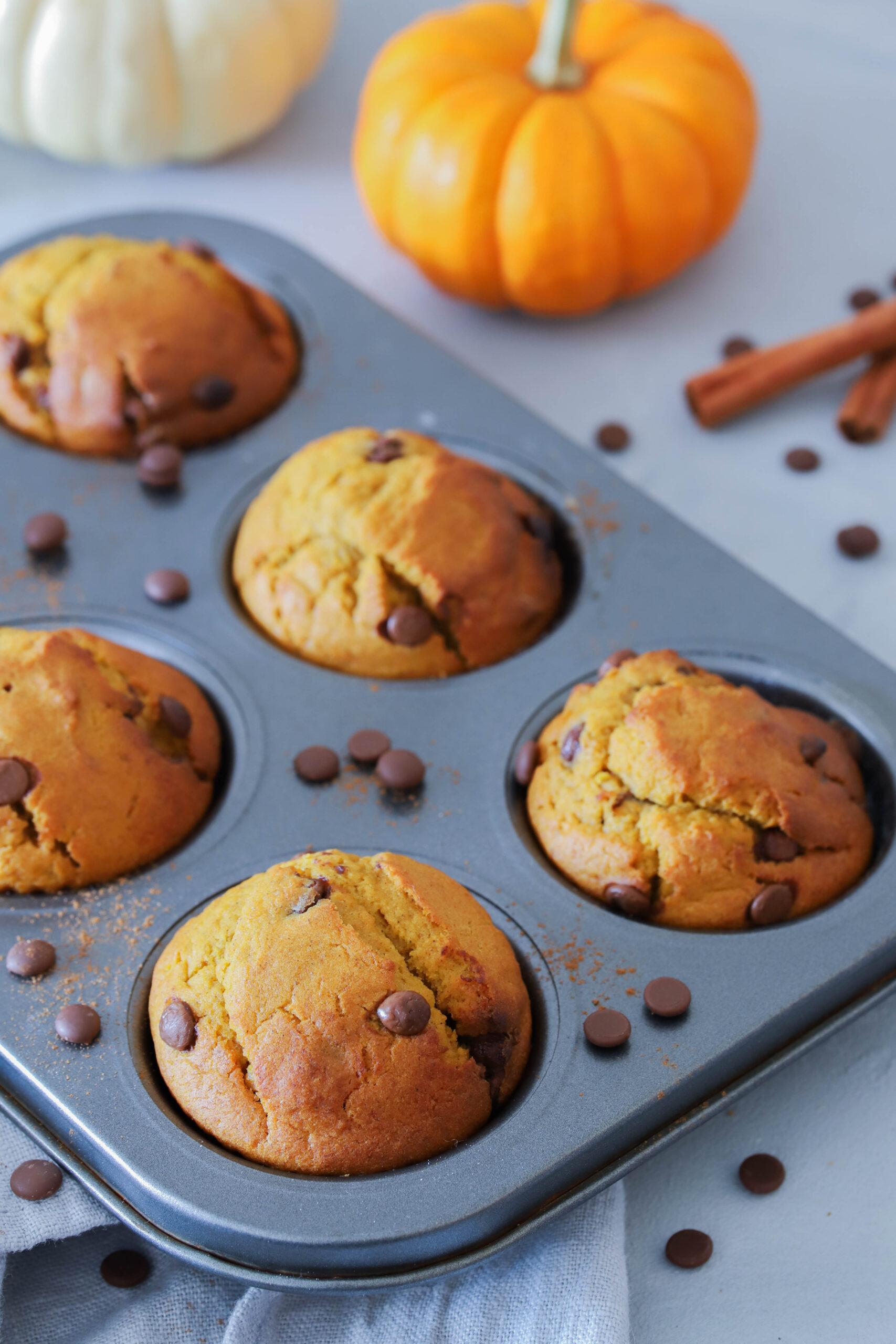 Einfach, schnell und super lecker: Muffins mit Kürbispüree und Zimt.