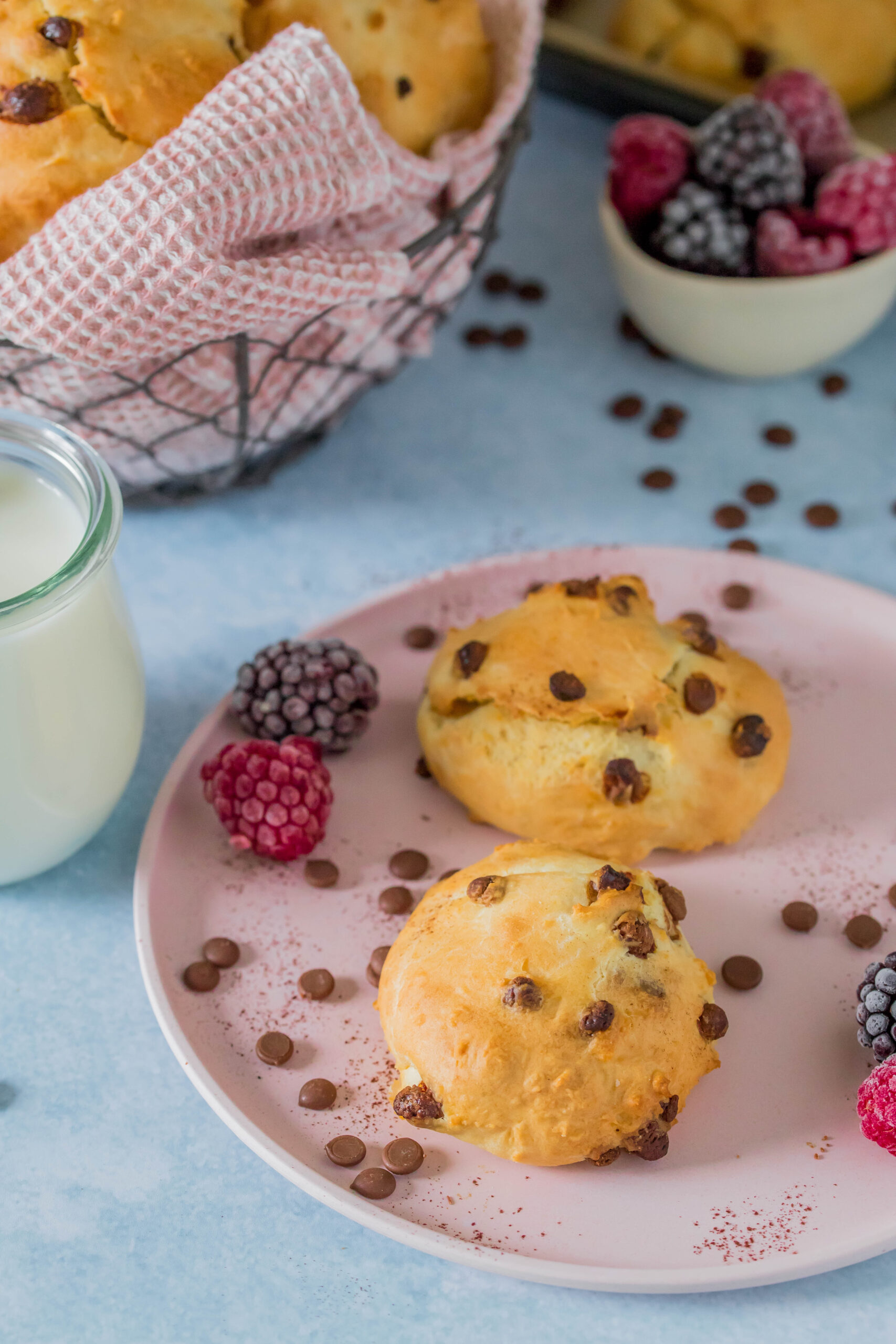 Leckere Schoko-Quarkbrötchen ohne Zuckerzusatz. Perfekt für Kinder