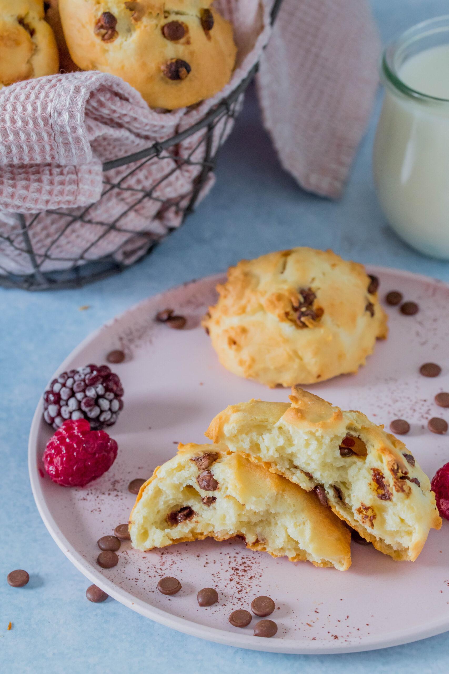 Schoko-Quarkbrötchen: einfach, schnell und lecker. Ohne Zuckerzusatz. Perfekter Snack für unterwegs.