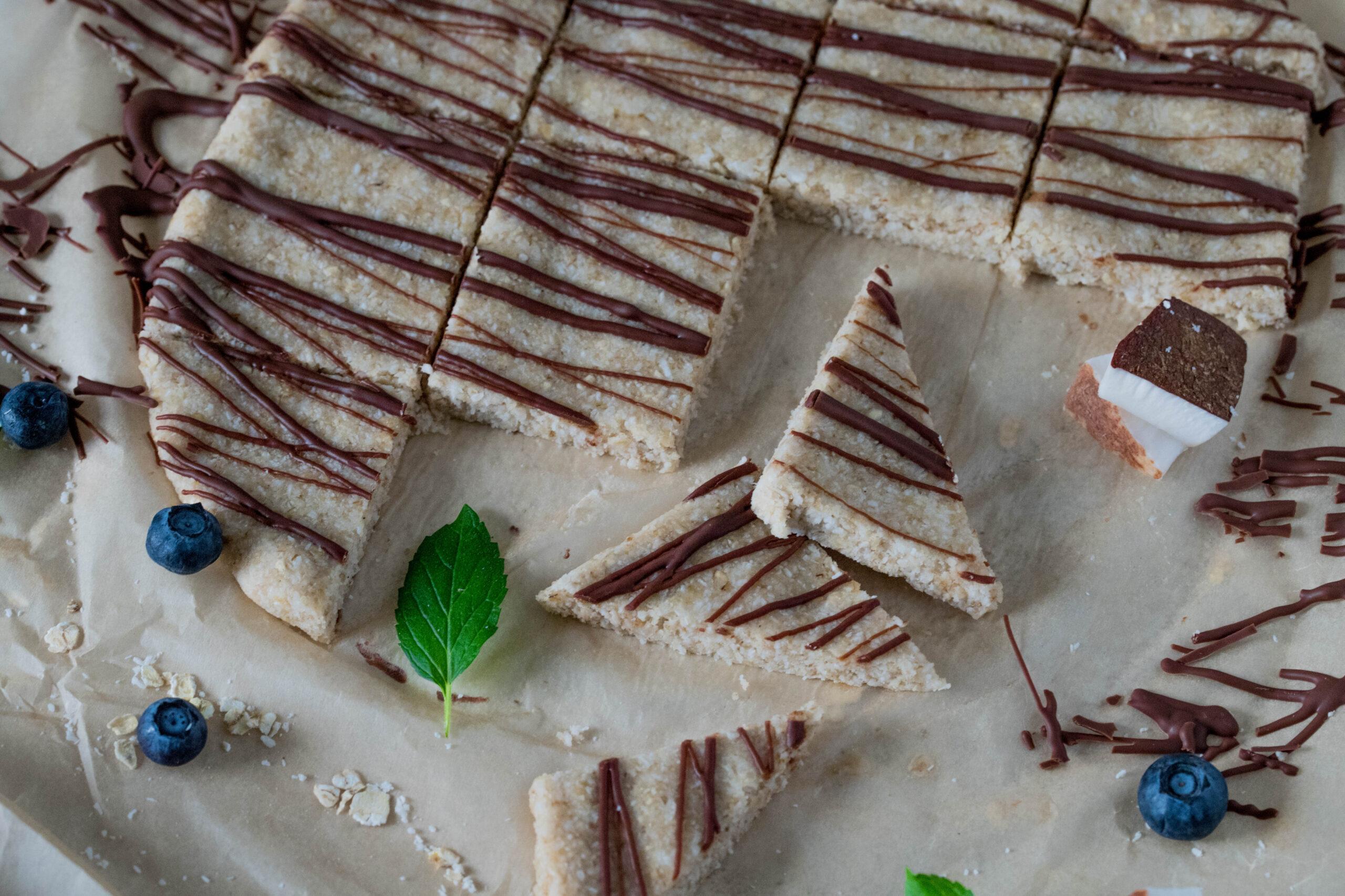 Zuckerfreie Kokosecken ohne Backen: Schnell & lecker. Tolle Idee für die Lunchbox.
