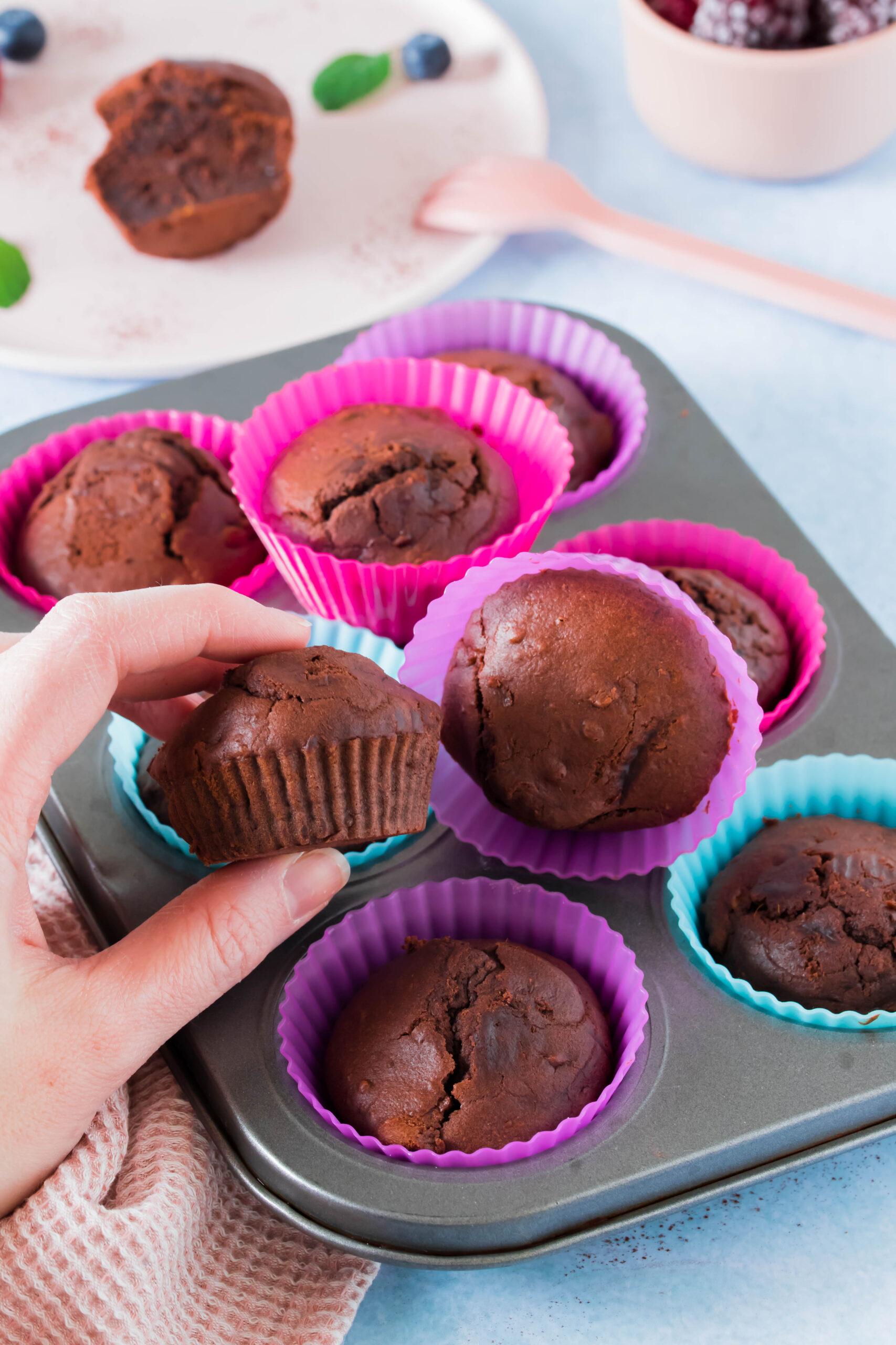 Gesunde Snackidee für Kinder: Schoko-Sßkartoffelmuffins. Perfekt für die Brotdose.